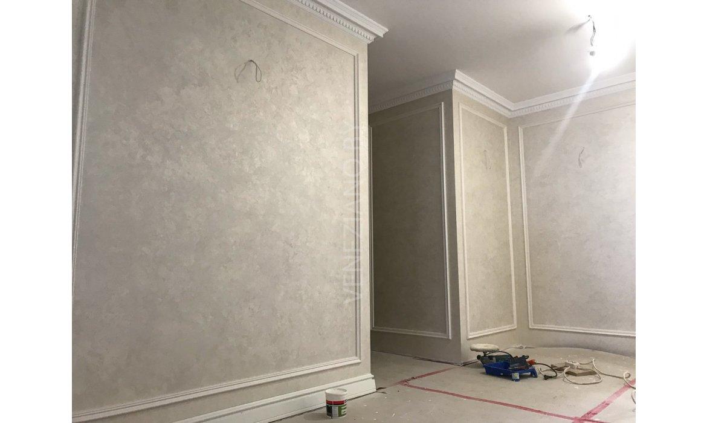 Декоративные краски для стен прихожей и коридора